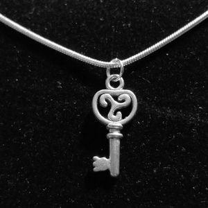 Vintage Skeleton Key  .925 Sterling Silver Necklac
